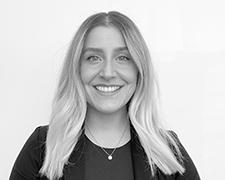 Jennifer Dean Profile Photo 1 Headshot - Meet Our Team