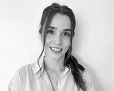 Leah Chapman Profile Photo 1 Headshot - Meet Our Team