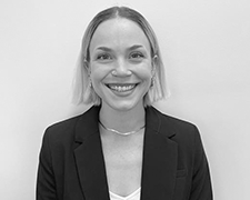 Mackenzie Sippel Profile Photo 1 Headshot - Meet Our Team